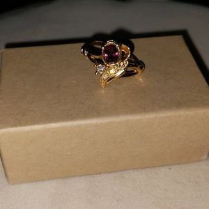 Jewelry - Shiny Goldstone Floral Design Fashion Ring